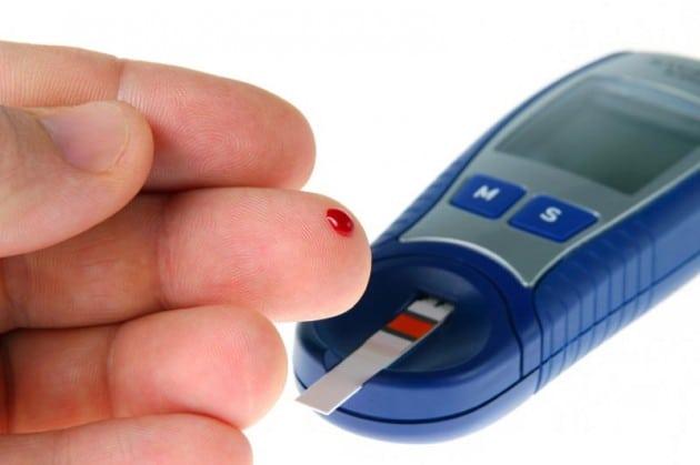 От чего поднимается сахар в крови и как его снизить?