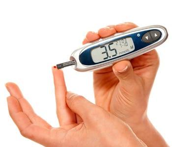Норма сахара в крови у мужчин по возрасту: таблица уровней